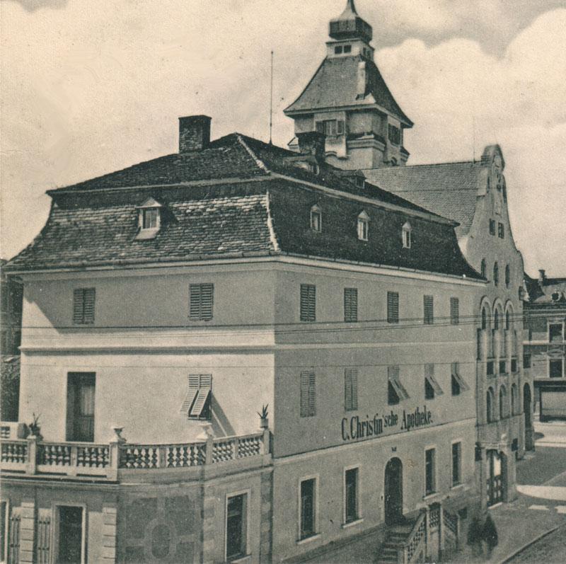 Ansicht der Christin'schen Apotheke in der Innstraße, um 1915