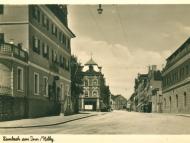 Die Innstraße mit der Stadtapotheke und dem Finanzamt