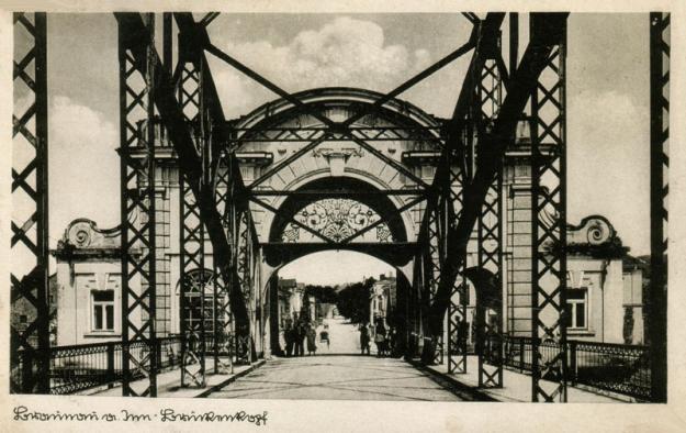 Die Rückseite des Simbacher Brückenkopfes in einer Ansicht um 1940