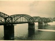 Privatfoto der Innbrücke von Braunau Richtung Simbach, aufgenommen im Januar 1941