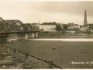Braunau mit der Innbrücke, von Simbach aus gesehen, im Jahr 1929