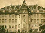 Frontansicht des Instituts Marienhöhe