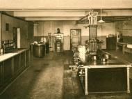 Die Küche der Haushaltungsschule des Instituts Marienhöhe
