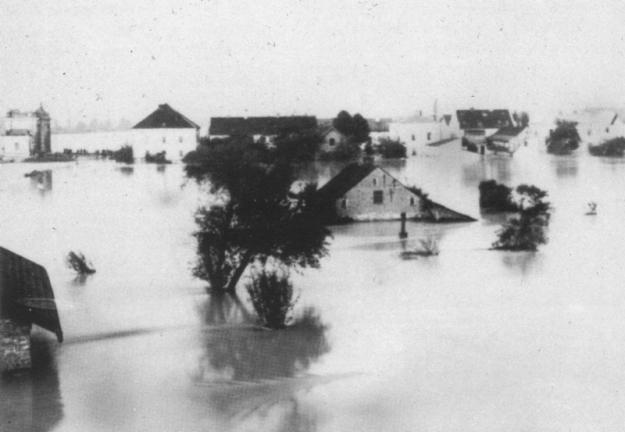 """Hochwasser 1899, Blick vom Inndamm aus (aus dem Buch """"Unser Simbach"""")"""