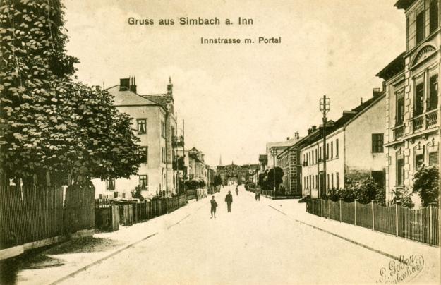 Die Innstraße zwischen Viadukt und Innbrücke, um 1910
