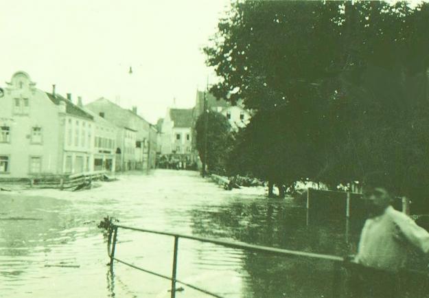 Simbach-Hochwasser 1938 in der Passauer Straße (Archiv Huber)