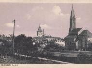 Kirche und Rathausturm von der Münchner Straße aus aufgenommen, um 1920