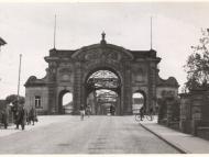Private Fotografie des Simbacher Brückenportals in Frontalansicht, 1939